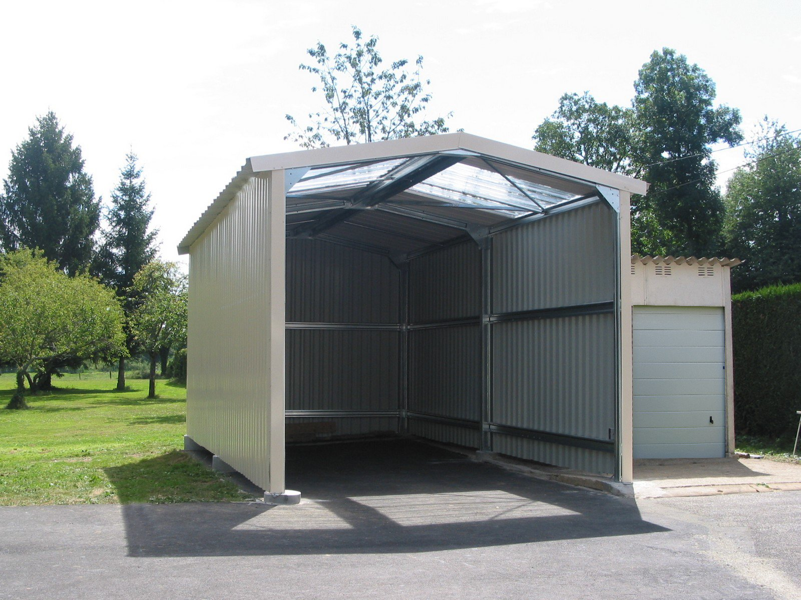 Hangar métallique en kit : bâtiments aux meilleurs PRIX